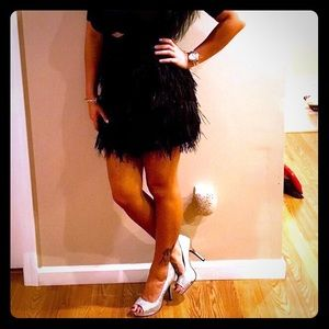 Black Feathered Express Skirt Size 4